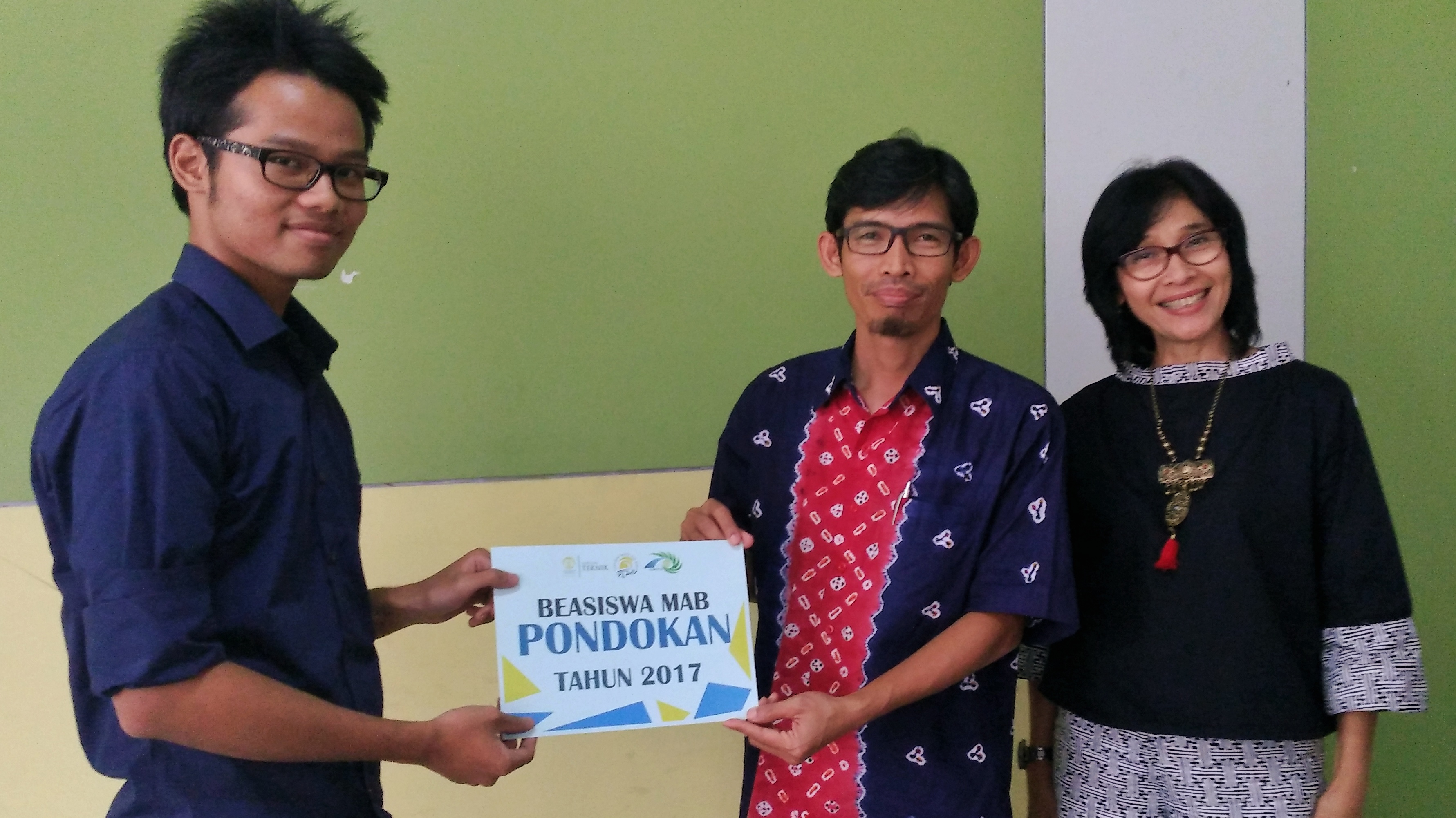 Perwakilan Penerima Beasiswa Pondokan Putra-Ikhsan Firdauz (Teknik Komputer 2017)